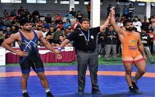 سینئر قومی کشتی چمپئن شپ :گرپریت سنگھ اور سنیل کمار نے سونے کے تمغے جیتے