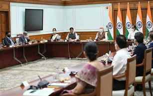Prime Minister praises efforts of domestic vaccine manufacturers in achieving 100 crore vaccinations