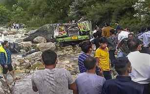 25 killed in bus accident in Himachal