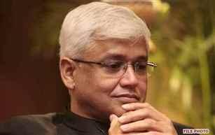 Noted English writer Amitav Ghosh conferred Jnanpith award