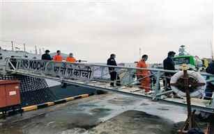 बार्ज पी ३०५ तराफ्यावरच्या १८८ जणांना वाचवण्यात भारतीय नौदलाला यश