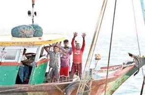 Sri Lankan Navy detains four Indian fishermen over poaching
